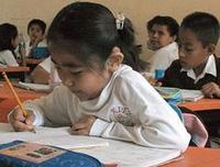 Diccionarios trilingües para niños extranjeros