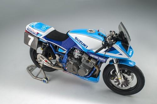 La impresionante Katana restomod del Team Classic Suzuki lista para asaltar Donington Park