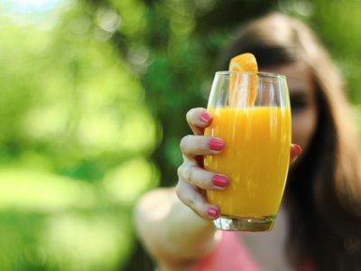 Bebidas y dulces sin azúcar también pueden dañar tus dientes
