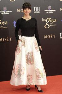 El look de Maribel Verdú en los Premios Goya 2013, rosas gigantes de Raf Simons para Dior