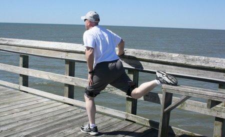 Estirar reduce el dolor muscular y las agujetas después de ejercicios intensos excéntricos