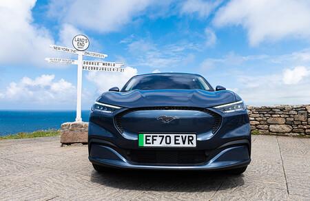 El Ford Mustang Mach- E consigue el récord Guinness en consumo de un coche eléctrico