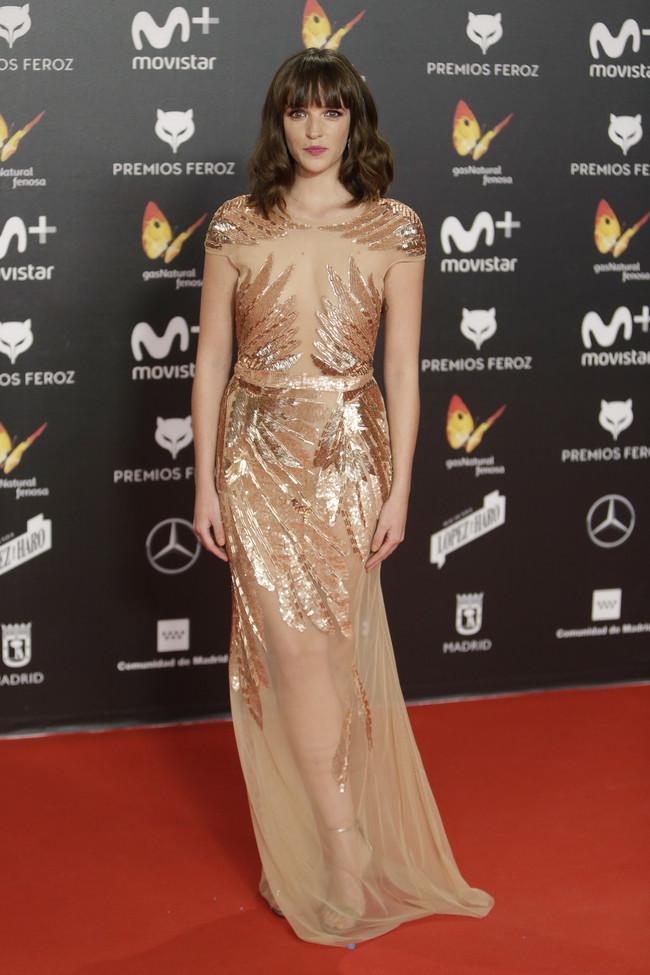 premios feroz alfombra roja look estilismo outfit Susana Abaitua
