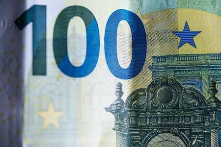 Así va la lucha para acabar con el dinero en efectivo: si vas a pagar más de 1.000 euros en España, necesitarás la tarjeta