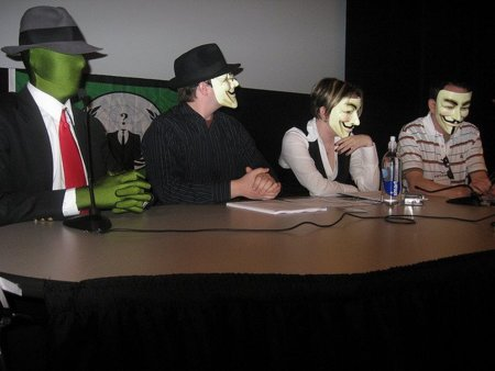 El FBI detiene 'otra' cúpula de Anonymous