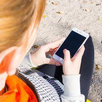 Colombianos podrían revisar y controlar el celular de sus hijos gracias a una Ley