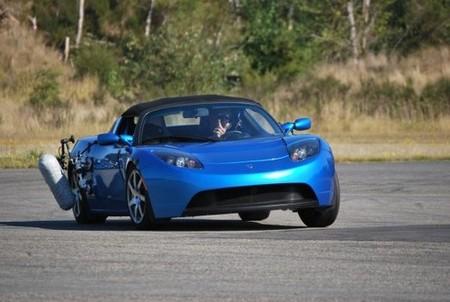 El Tesla Roadster colabora en la creación de juegos