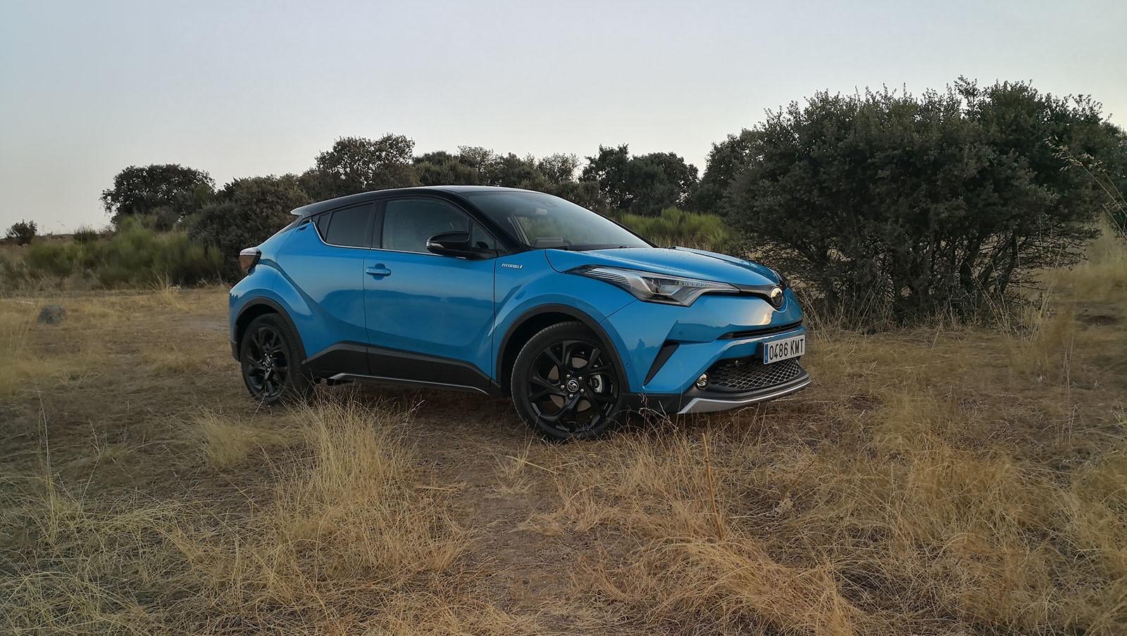Foto de Toyota C-HR Dynamic Plus - Fotos exteriores (1/30)