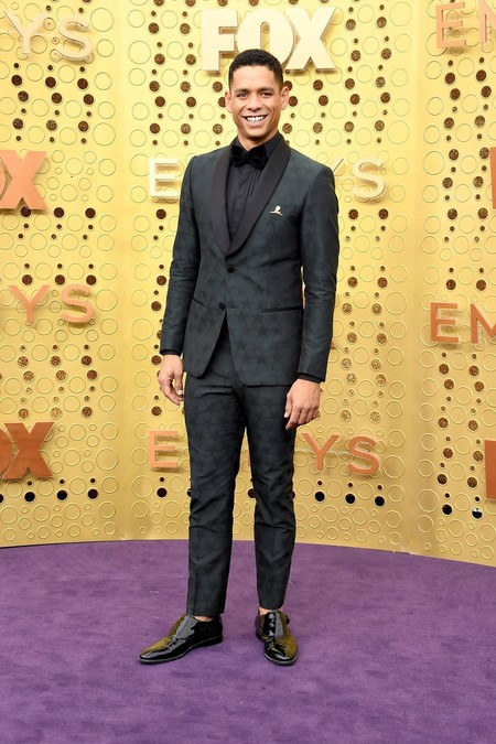 Charlie Barnett Emmy Awards Red Carpet Alfomba Roja Trendencias Hombre