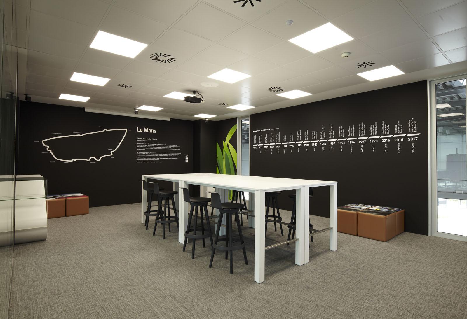 Foto de Centro de Experiencias Porsche Madrid Norte (2/16)