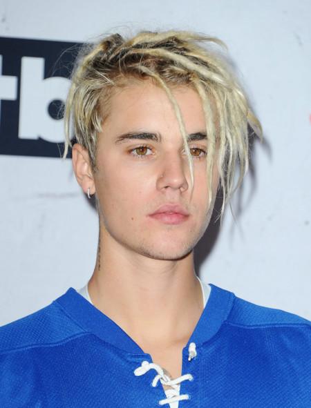 Después de las trencitas a lo Bo Dereck a Justin Bieber le ha dado por las rastas