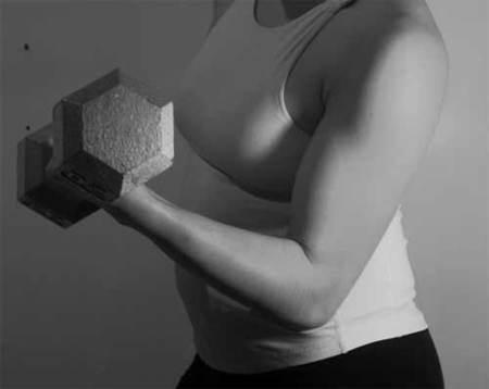 Concentración muscular y aislamiento, la base para un bíceps desarrollado