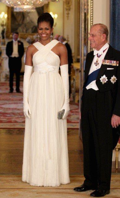 El look de etiqueta del matrimonio Obama para la cena de gala en Buckingham Palace