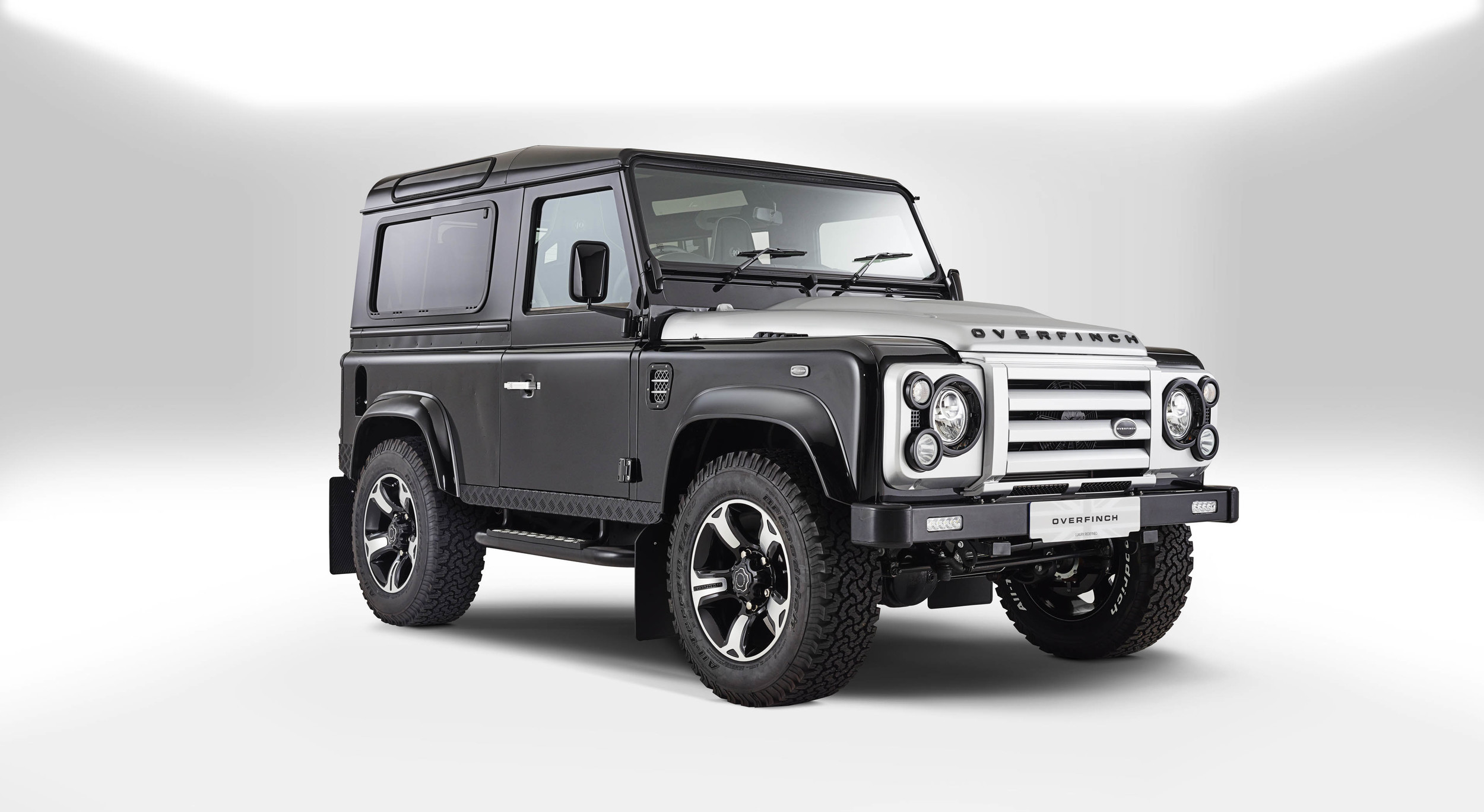 Foto de Overfinch Defender 40th Anniversary (6/19)