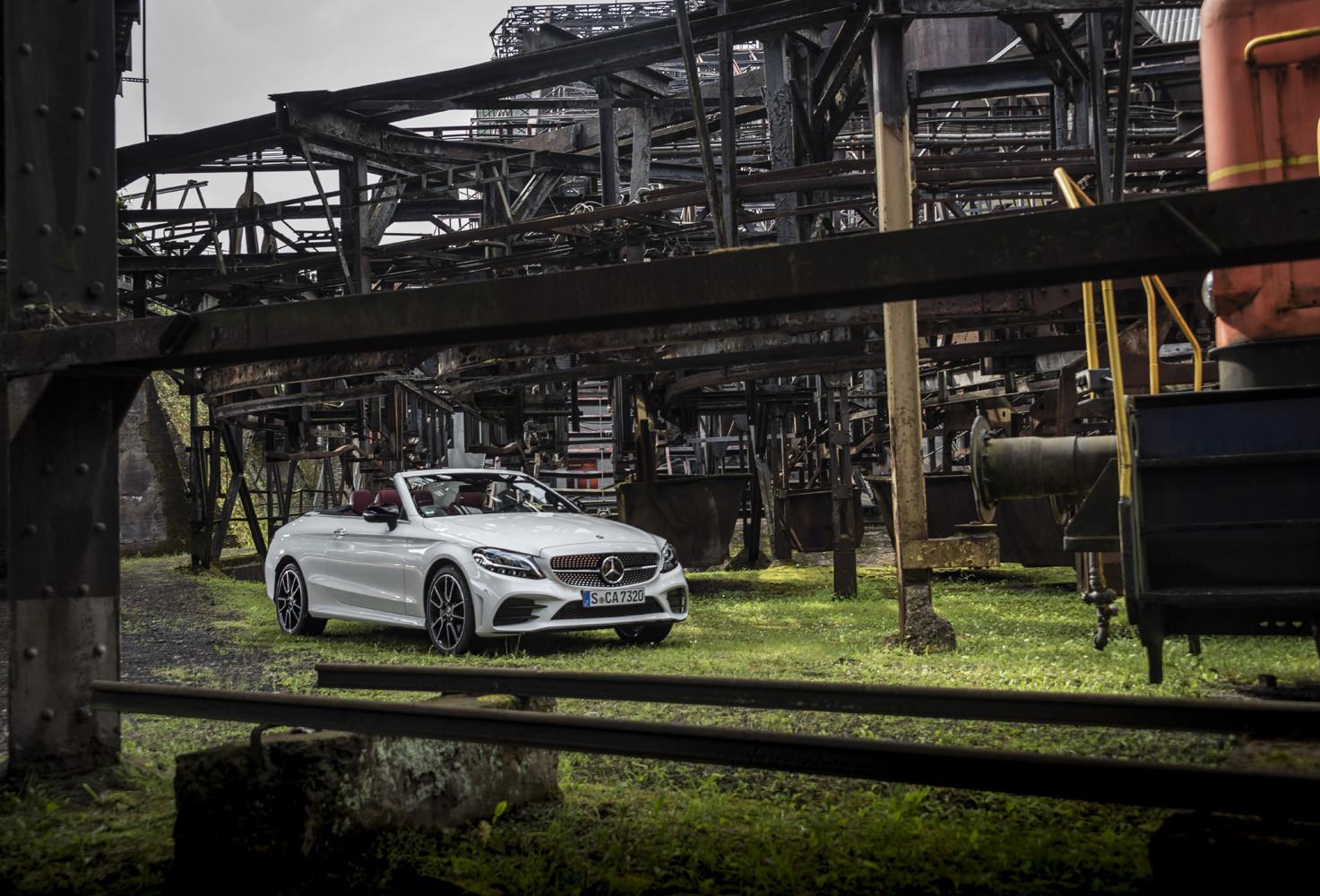 Foto de Mercedes-Benz Clase C 2018, toma de contacto (72/255)