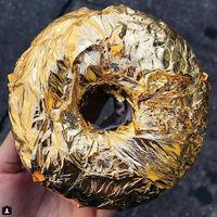 TrendInFood: donuts con glaseado de champagne y cobertura de oro