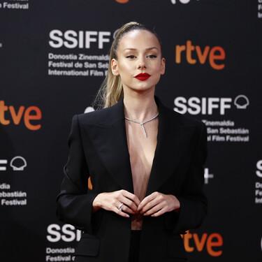 Despedimos el Festival de Cine de San Sebastián 2020 con una alfombra roja de clausura donde Ester Expósito ha sido la más destacada