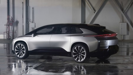 Faraday Future FF91 vs Tesla Model S P100D, comparativa. ¿Son suficientes 1.065 CV para batir a Tesla?