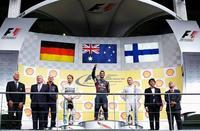 Daniel Ricciardo se sube a las barbas de Mercedes-Benz