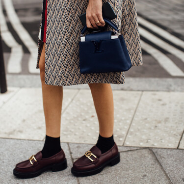 Louis Vuitton, Prada y Chanel firman los mocasines favoritos de la temporada. Palabra del street style