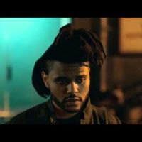 The Weeknd y John Travolta protagonizan un nuevo anuncio doble de Apple Music