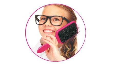 Carcasas comestibles, ropa interior o palos de selfie con cuchara: nueve accesorios para móviles de dudosa utilidad