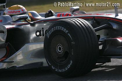 Lewis Hamilton lidera los tiempos en Jerez