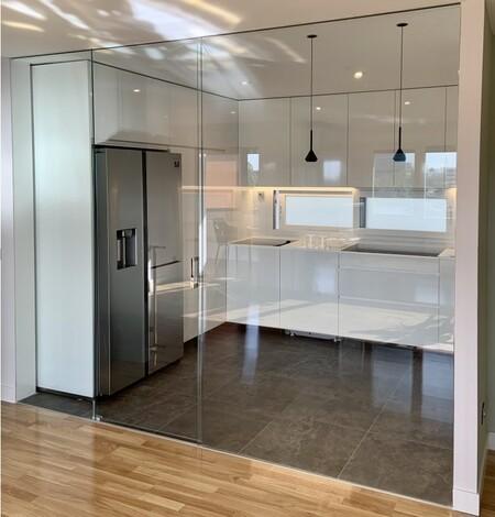 Cerramientos acristalados: 15 ideas para separar la cocina del salón