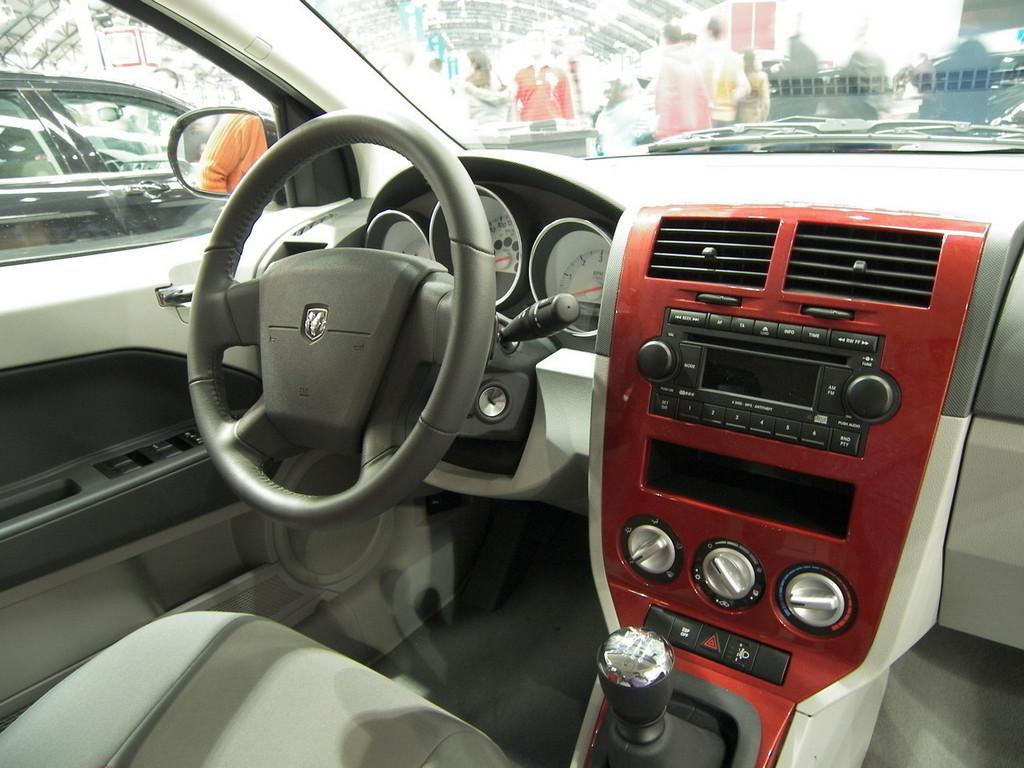 Foto de Dodge Caliber en el Salón de Vigo (1/9)