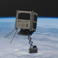 Este sorprendente satélite de contrachapado quiere conquistar el espacio (y sacarse selfies mientras lo hace)
