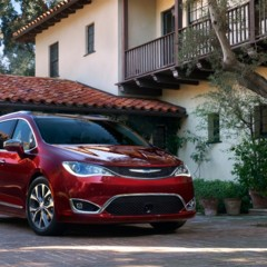 chrysler-pacifica-2017