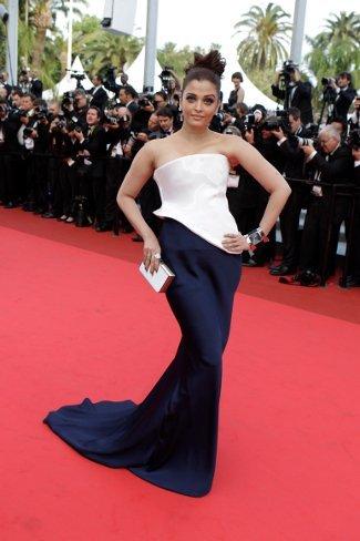 Aishwarya Rai en la premiere de Sleeping Beauty en Cannes 2011