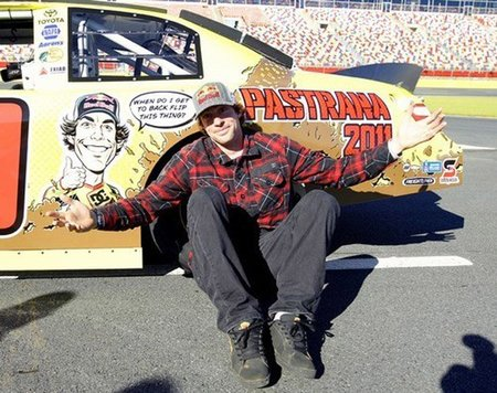 Travis Pastrana cambia los rallyes por la NASCAR