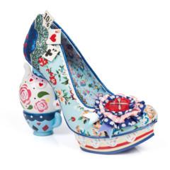 Foto 45 de 88 de la galería zapatos-alicia-en-el-pais-de-las-maravillas en Trendencias