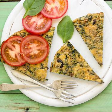 Frittata de espinacas, champiñones portobello y queso manchego: receta vegetariana