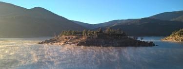 Isla del Burguillo, la isla amurallada más curiosa de España (y que se puede alquilar)