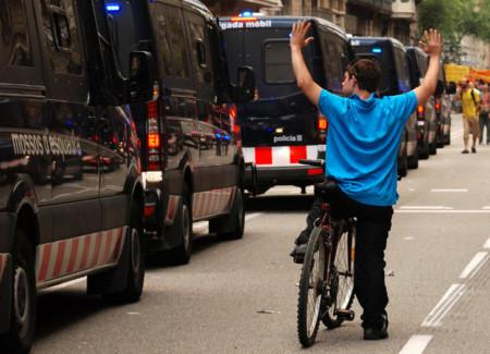 """El jefe de los Mossos en Barcelona declara que el desalojo de Plaza Catalunya fue """"proporcional"""""""