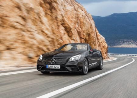 Mercedes-Benz SLC 43 AMG, demostrando que todo con placa 'AMG' es mejor