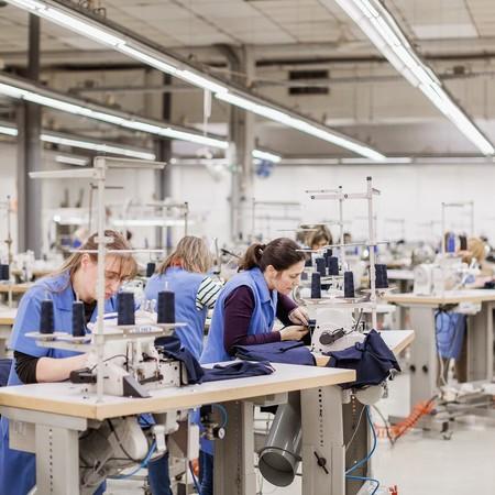 Inditex está transportando de China a España millones de mascarillas y decenas de respiradores que compró el Gobierno