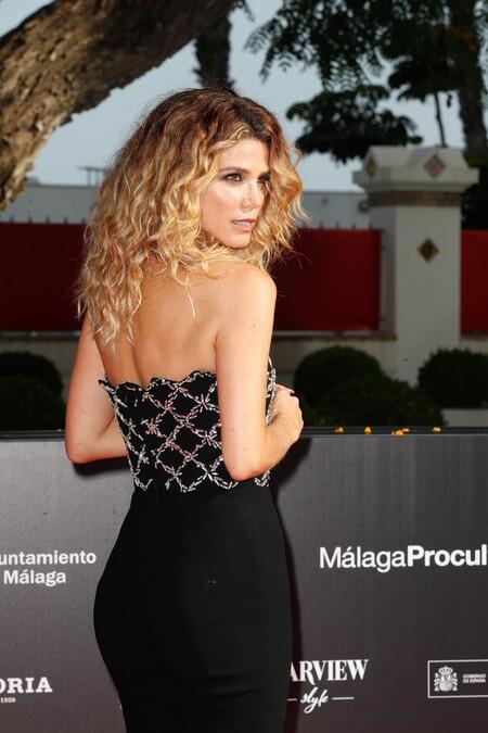 Juana Acosta luce el pelo rizado más ideal en la alfombra roja de clausura del Festival de Málaga 2021