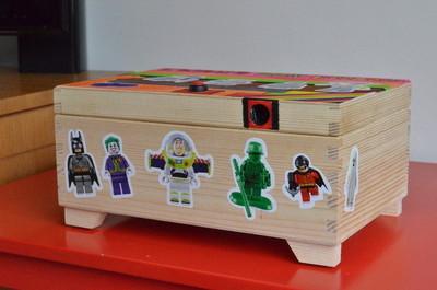Caja de juguetes con seguridad biométrica
