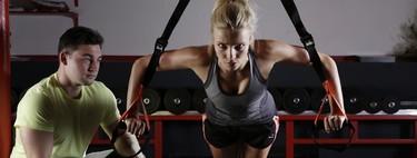Entrena tu espalda con el TRX: Cinco ejercicios que puedes realizar con el entrenamiento en suspensión