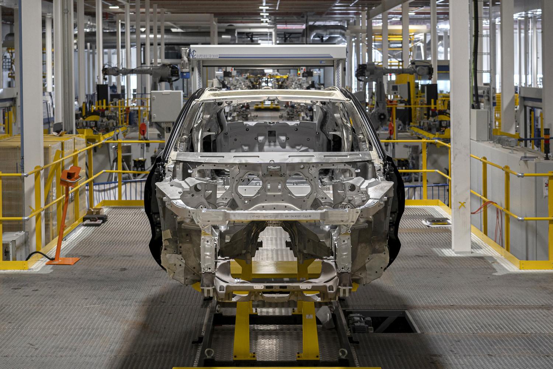 Foto de Aston Martin DBX, preproducción (22/23)