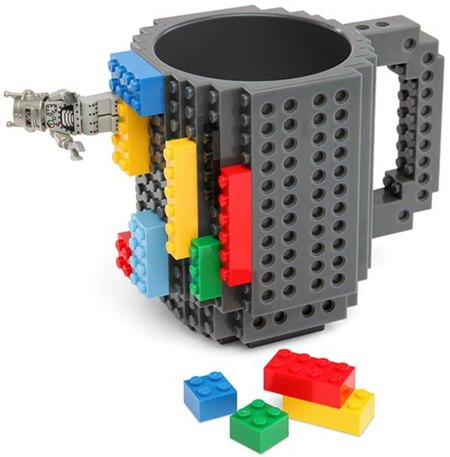 La taza LEGO que podrás personalizar
