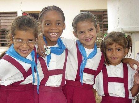 ¿Los uniformes escolares para favorecer la autoridad del profesorado?