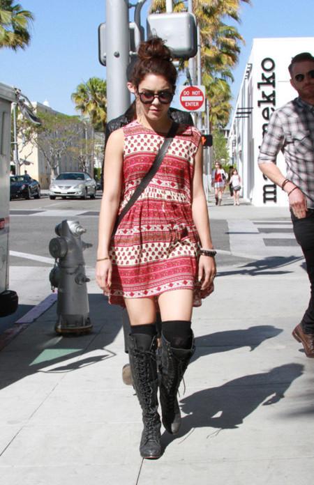 Vanessa Hudgens look calle