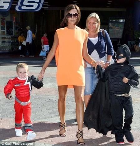El look perfecto de Victoria Beckham en el cumpleaños de su hijo  Romeo