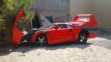 Réplica Ferrari F40 sobre un Nissan Elantra