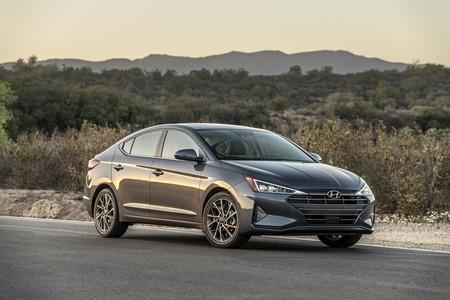 Hyundai Elantra 2020 3
