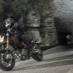 Foto 20 de 30 de la galería aprilia-dorsoduro-factory-2010 en Motorpasion Moto